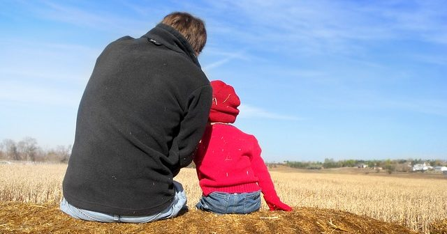 dad-and-son-1432772_640