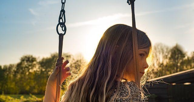 girl-1610955_640