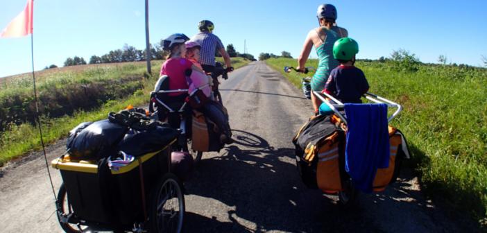 Eine Radtour mit der Familie macht Spaß - jedoch sollte diese vorher genau geplant werden. Bildquelle: @ Mark Stosberg / Unsplash.com